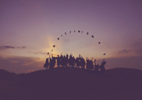 将来を見据え、資格で有利に就活するなら専門学校!